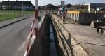 Vorbereiteteter Stufengraben für das Verlegen der Wasser- und Gasleitung in der Industriestrasse