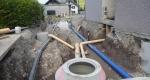Werkleitungsgraben eingangs Rosengasse, Blick in Richtung Norden: Wasser-, Meteorwasserleitung sowie EW-Schacht